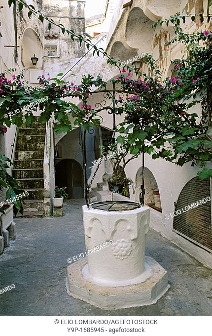Sperlonga, Latina, Latium, Italy  A characteristic courtyard with a well head