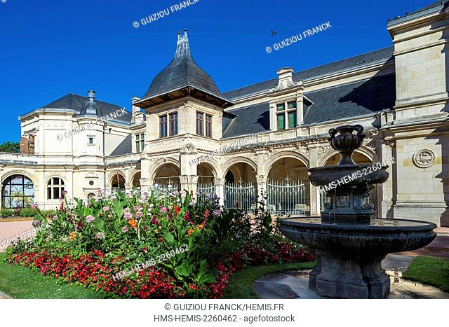 France, Allier, Moulins, the old city, Anne de Beaujeu departmental and municipal museum in the former Anne de Beaujeu Pavilion