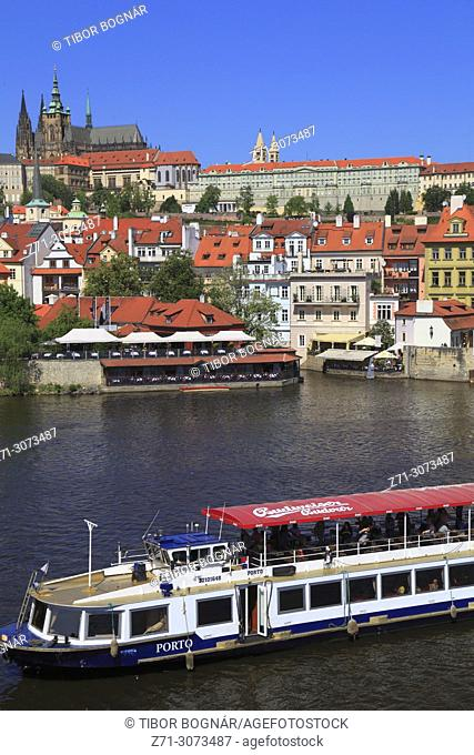 Czech Republic, Prague, skyline, Mala Strana, Lesser Town, Castle, Vltava River, boat,