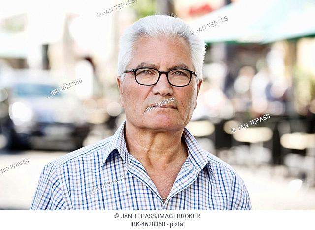 Grey-haired Senior with migration background, native Italian, portrait, Cologne, North Rhine-Westphalia, Germany