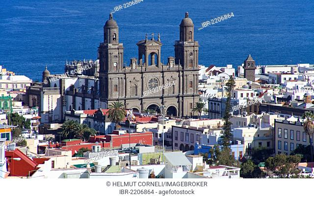 View from the San Nicolas district on the cathedral of Santa Ana, historic town centre of Las Palmas, Vegueta, Gran Canaria, Canary Islands, Spain, Europe