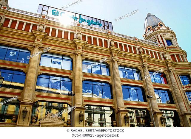 Facade of El Corte Ingles, department store, Avinguda Portal de l'Angel, Barcelona, Catalonia, Spain
