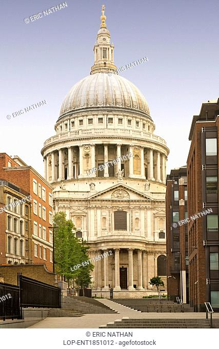 England, London, The City of London. St Paul's cathedral, designed by Sir Christopher Wren in the 17th century