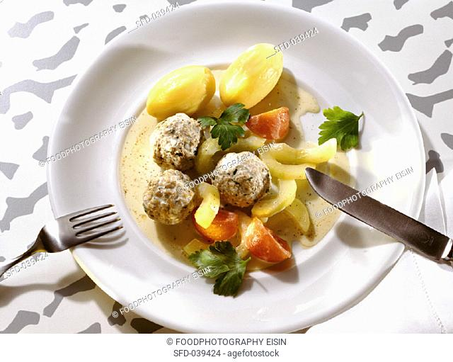 Meatballs with stewed Cucumbers