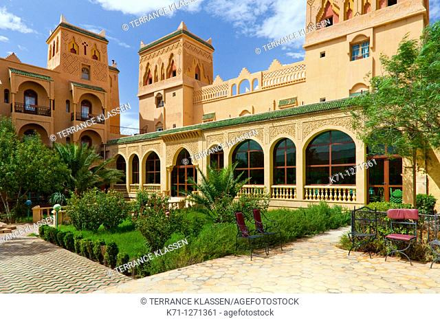 The pool area and courtyard of the Hotel Kasbah Asmaa in Midelt, Morocco