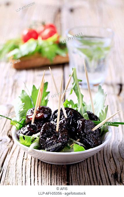 Glazed prunes