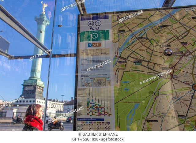 BUS STOP AND CITY MAP, PLACE DE LA BASTILLE, PARIS (75), ILE-DE-FRANCE, FRANCE