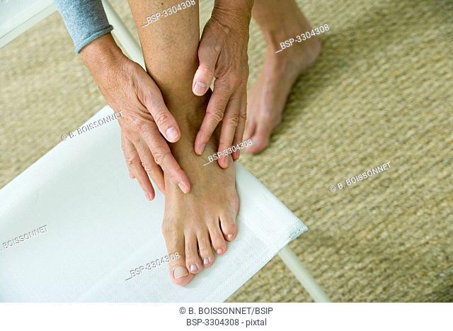 FOOT PAIN ELDERLY PERSON Model