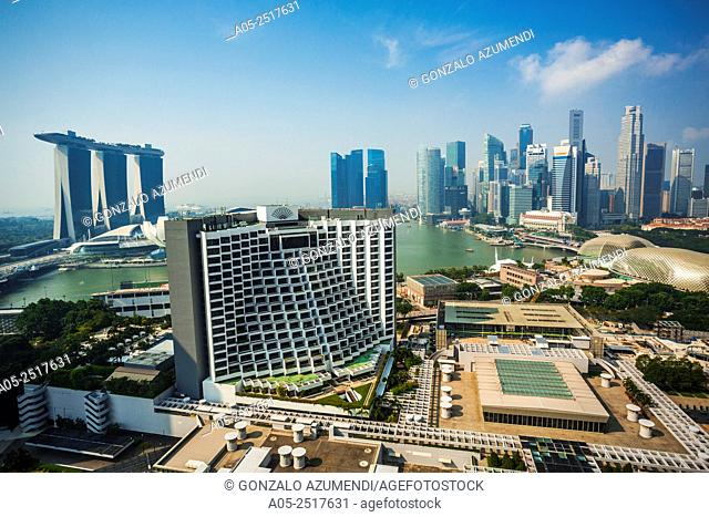 On the left Marina Bay Sands Hotel and ArtScience Museum. On the right Esplanade Theatres and Central Business District. Marina Bay