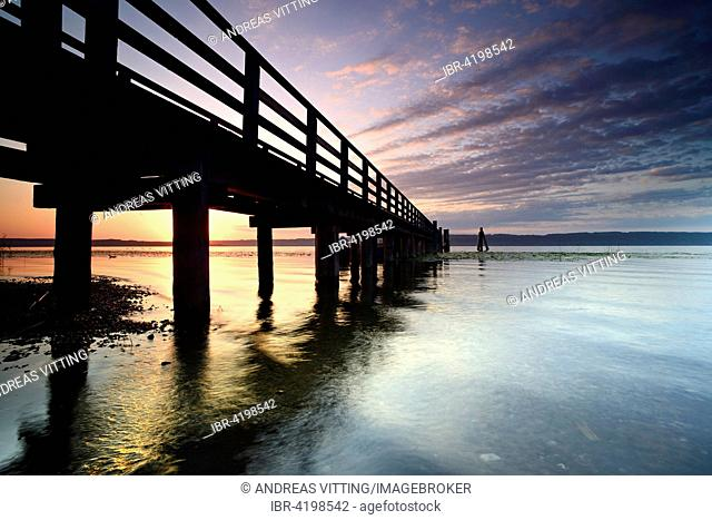 Morning mood, jetty on Lake Ammer, near Riederau, Bavaria, Germany