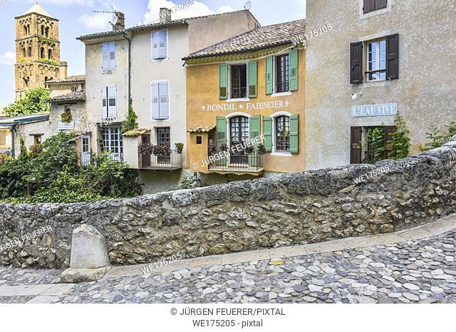 village Moustiers-Sainte-Marie, Provence, France, houses at stone bridge, member of most beautiful villages of France, department Alpes-de-Haute-Provence