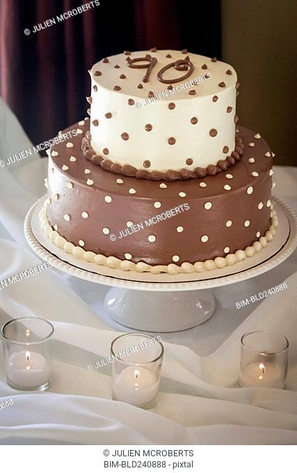 Cake on tray with number 90