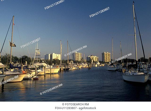 Sarasota, FL, Gulf of Mexico, marina, Florida, Boats docked at a marina in the harbor in Sarasota