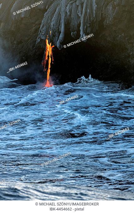 Lava entering ocean, Kamokuna, Kilauea Volcano, Hawai'i Volcanoes National Park, Big Island, Hawai'i, USA