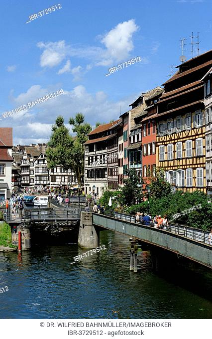 View from the Quai des Moulins with the L'Ill River, Petite-France, Strasbourg, Département Bas-Rhin, Alsace, France