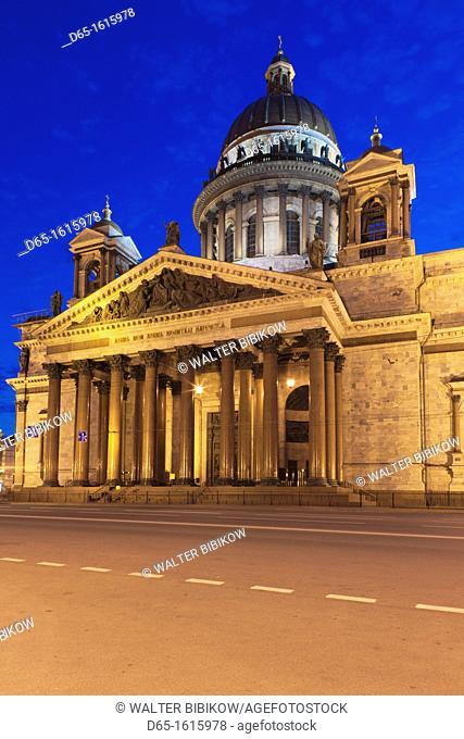 Russia, Saint Petersburg, Center, Saint Isaac Cathedral, evening