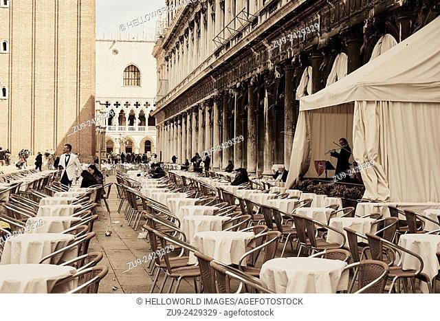 Cafe culture, Piazza San Marco, Venice, Veneto, Italy, Europe