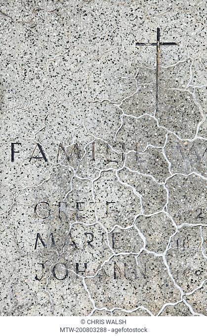Gravestone graveyard name cross family