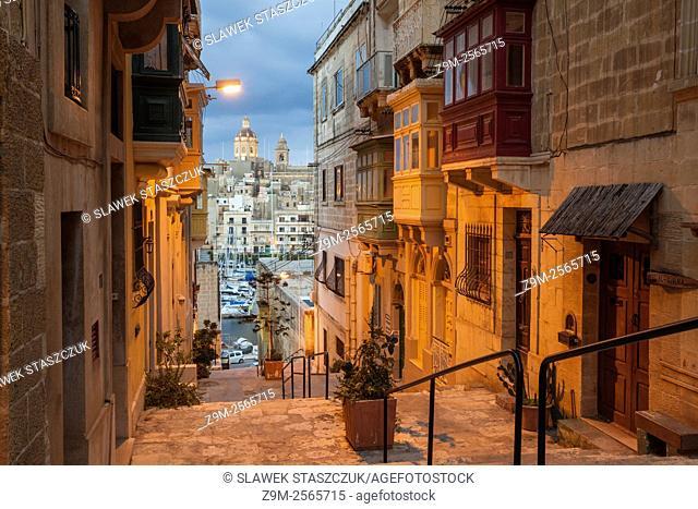 Night falls in Senglea, Malta