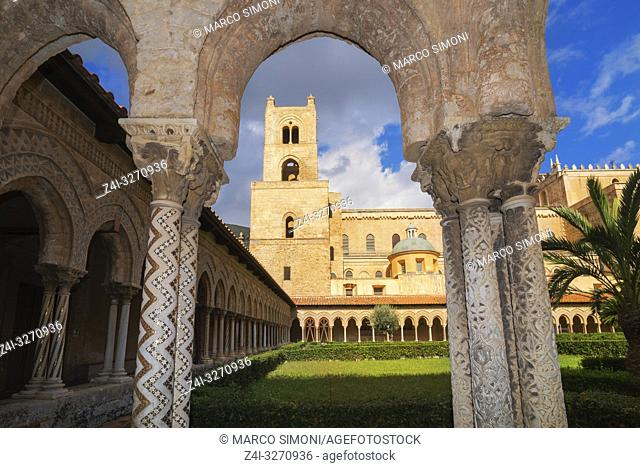 Cloister, Cathedral of Monreale, Monreale, Palermo, Sicily, Italy, Europe