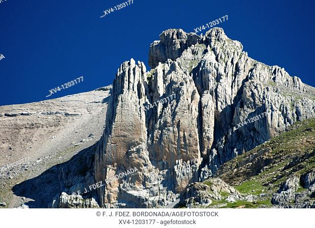 Mountain views in Aragues del Puerto Valley  Huesca  Spain