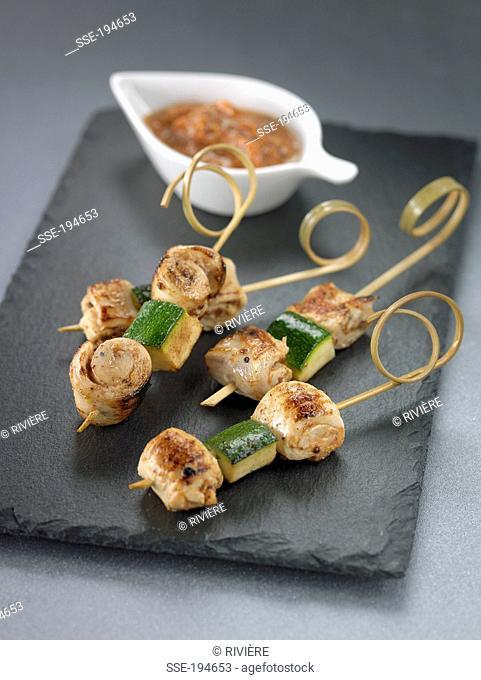 Chicken and zucchini mini brochettes