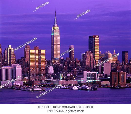 Empire State Building, Midtown Skyline, Manhattan, New York, USA