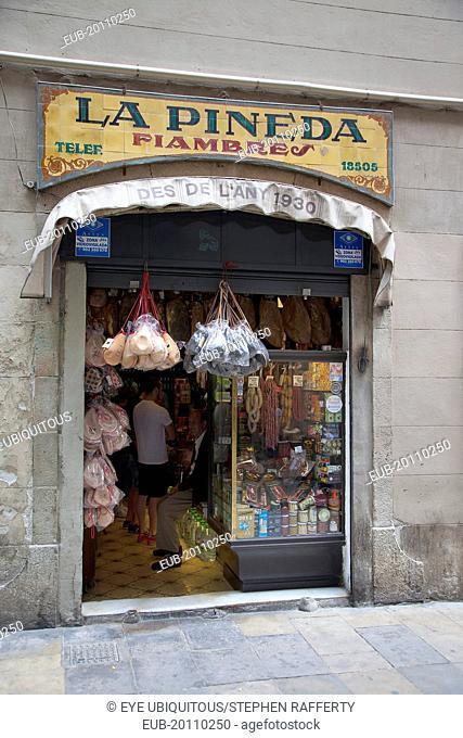 La Pineda Xarcuteria in the Gothic Quarter