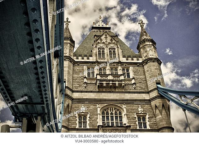 The Tower Bridge, one of the most famous places of London. Some high dinamic range for more dramatism
