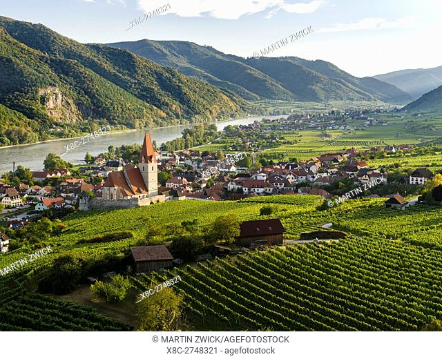 Medieval town of Weissenkirchen in the Wachau, with fortified church Mariae Himmelfahrt. The Wachau is a famous vineyard and listed as Wachau Cultural Landscape...