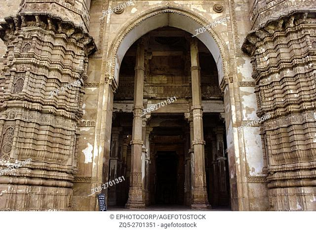 Entrance gate detail. Jami Masjid or Mosque. Champaner Pavagadh Archaeological Park. UNESCO World Heritage Site. Panchmahal, Gujarat. India
