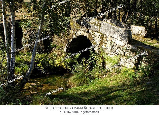Little stone bridge at Assureira, Castro Laboreiro, Peneda Geres National Park, Melgaco, Braga, Minho, Portugal