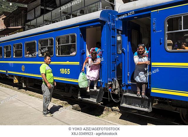 Peru, Aguas Calientes, railway, daily life