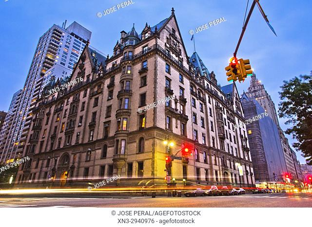 Dakota Building, historical building where John Lennon lived, Central Park West, Manhattan, New York City, New York, United States of America, USA