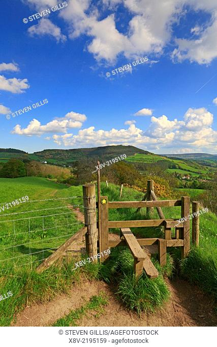 Wooden stile and path towards Easby Moor, Cleveland Hills, North Yorkshire, North York Moors National Park, England, UK