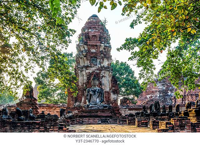 Asia. Thailand, Phra Nakhon Si Ayutthaya, old capital of Siam. Ayutthaya archaeological Park, classified UNESCO World Heritage. Wat Phra Mahathat