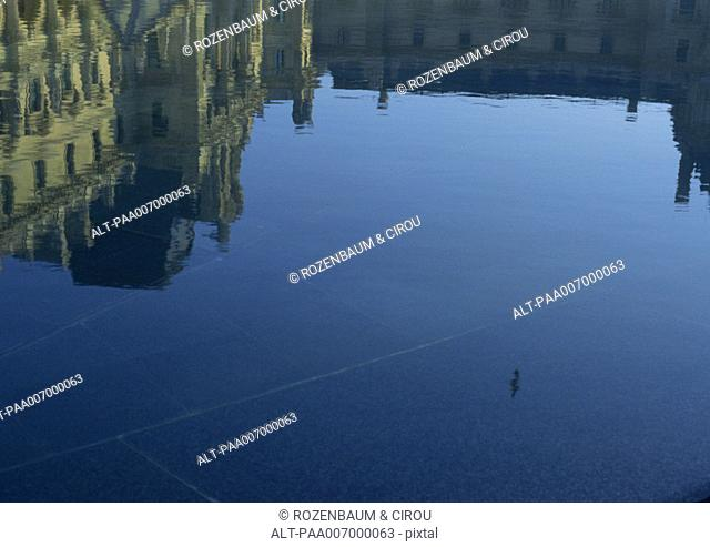 France, Paris, reflection of the Louvre in water