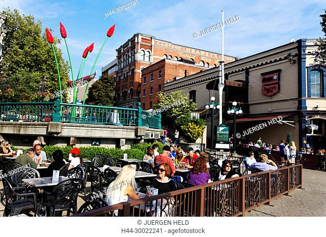 Street Cafe in Victoria on Vancouver Island in summer , Canada, North America
