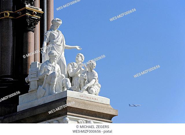 UK, London, Engineering sculpture at the Albert Memorial
