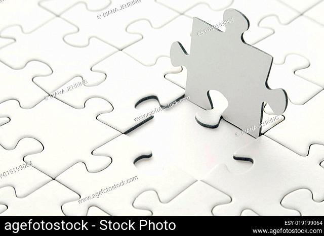 puzzel auf weißem Untergrund