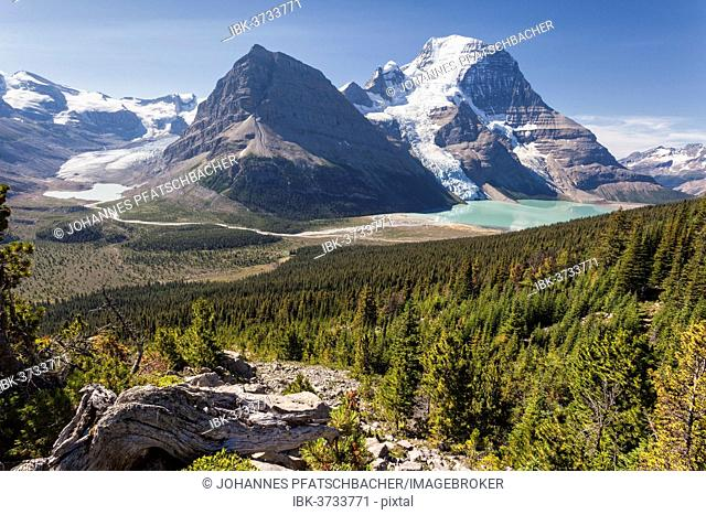 Mount Robson and Berg Lake, Mount Robson Provincial Park, British Columbia Province, Canada