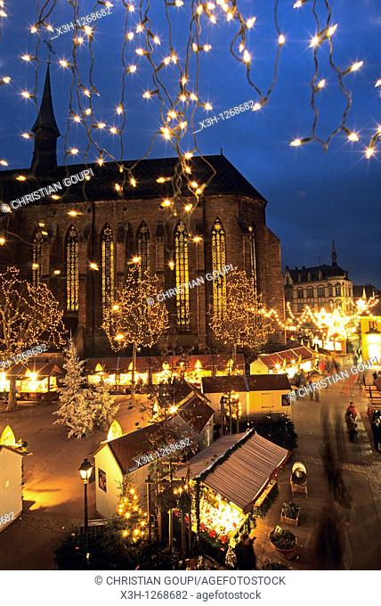 Christmas market, Dominicans square, Colmar, Haut-Rhin department, Alsace region, north-eastern France, Europe