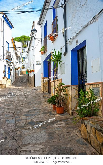 Narrow lane of the town Ubrique in the province of Cádiz, largest of the White Towns, Pueblos Blancos of Andalusia, Spain