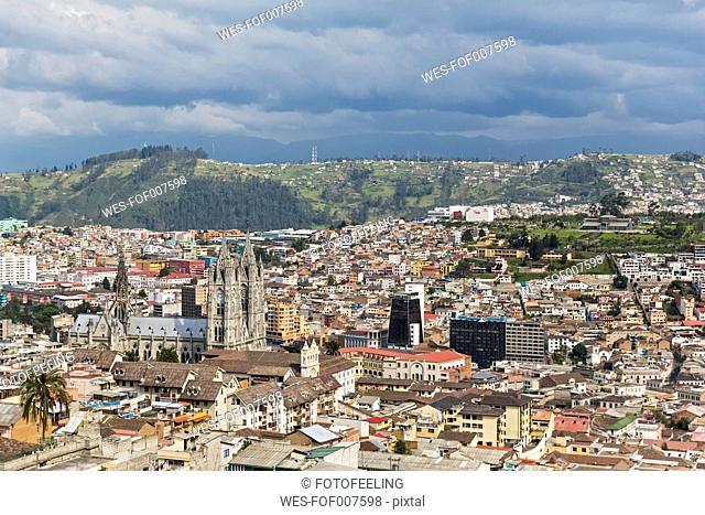 Ecuador, Quito, cityscape with Basilica del Voto Nacional