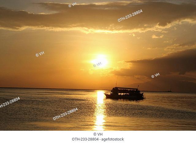 Sunset over the Manila Bay, Metro Manila, Philippines