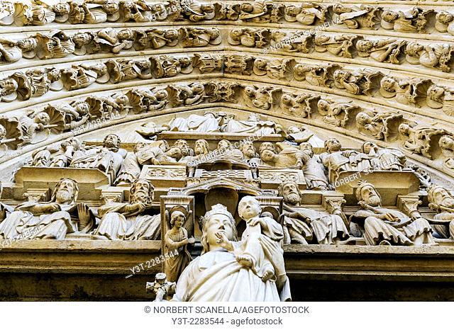 Europe. France. Ile-de-France. Paris. Cathedral Notre-Dame-de-Paris. World Heritage of UNESCO. Sculpture. Detail