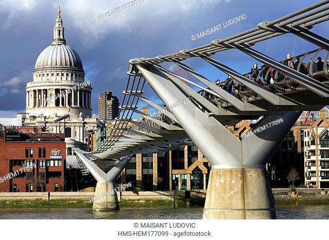 United Kingdom, London, Millennium Bridge by Norman Foster and Saint-Paul Cathedral