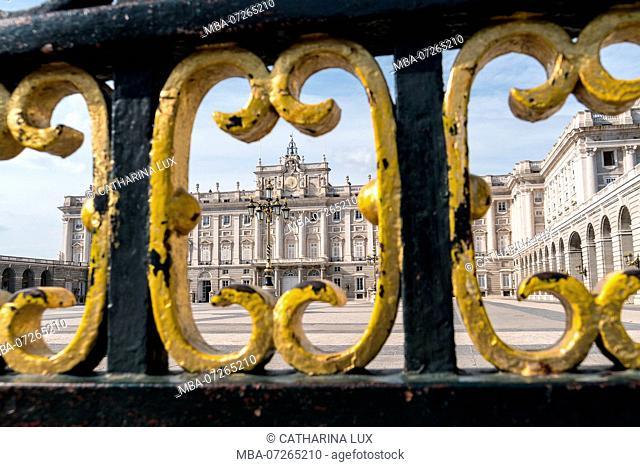 Madrid, Palacio Real, Royal Palace, Plaza de la Armeria, main entrance, lattice, detail