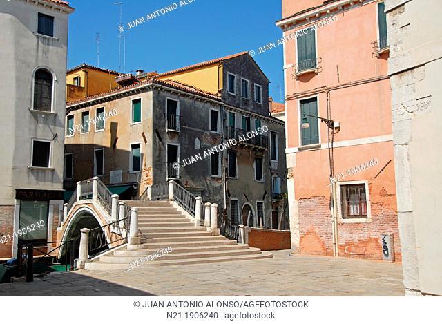 Salizada Sant'Antonin and ponte Sant'Antonin. Venice, Veneto,Italy, Europe