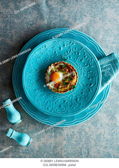 Savoury tart with egg